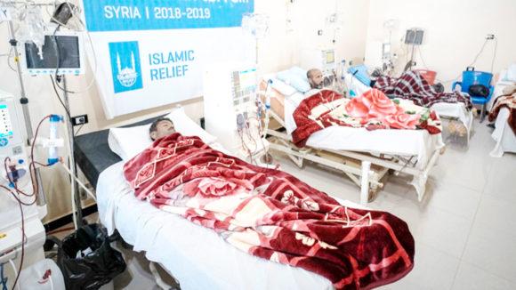 Idlib: Tausende Syrer sind mitten im Winter gezwungen vor den Bombardierungen zu fliehen!